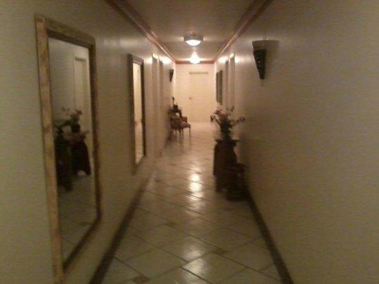 Casa Gialla Pousada: Corredor dos quartos