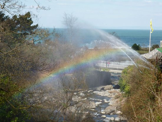 Glen Lyn Gorge: Water Cannon Rainbow!