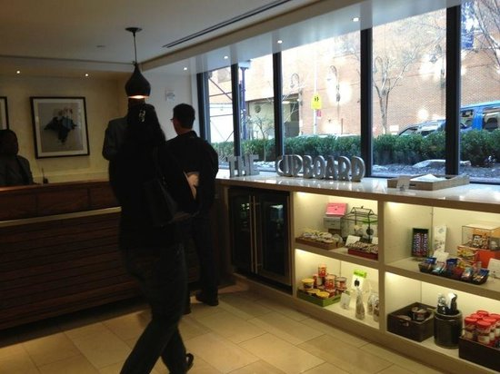 Gardens NYC–an Affinia hotel: Check in desk