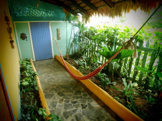 Hotel Guarana: Hammock out front
