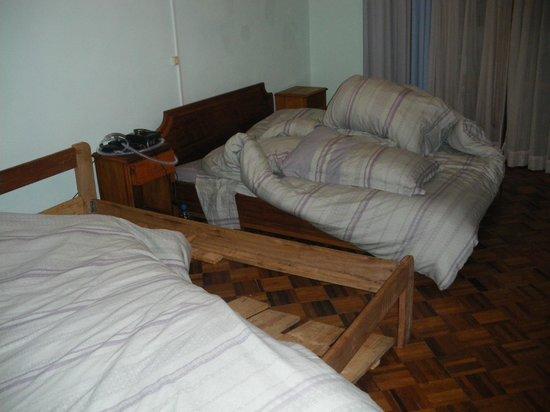 La Residence: Mobilier vétuste