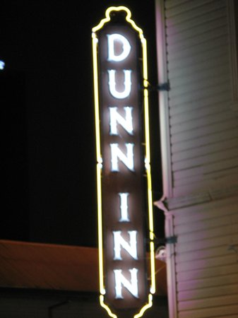 Hotel Dunn Inn: Great sign for the Dunn Inn