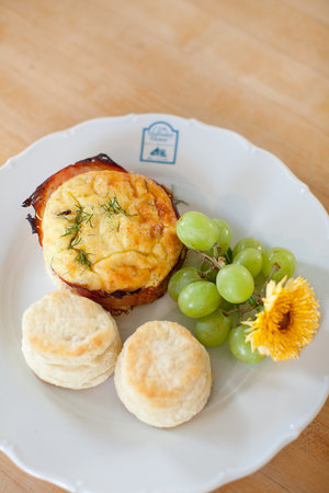 Holladay House Bed and Breakfast: Made from scratch Breakfasts