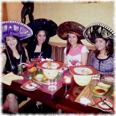 Senor Pico's: mexican girls