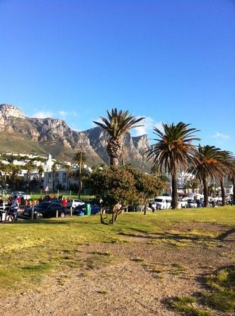 Camp's Bay Beach : Camps Bay, part view of the mountain.