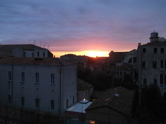 Hotel Belle Arti: sunset from balcony