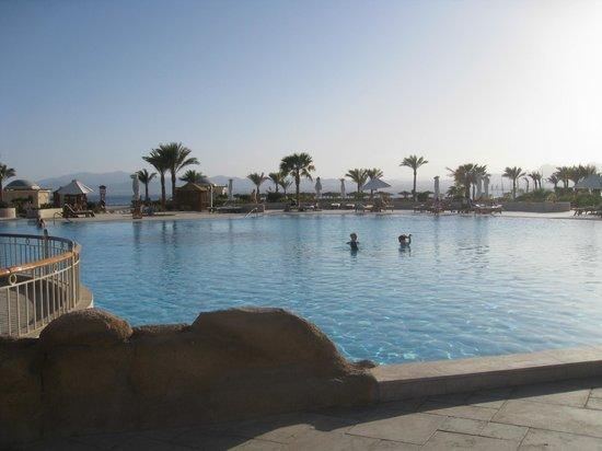 فندق كيمبينسكي خليج سوما: pool