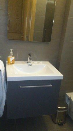 Les Clarisses: baño