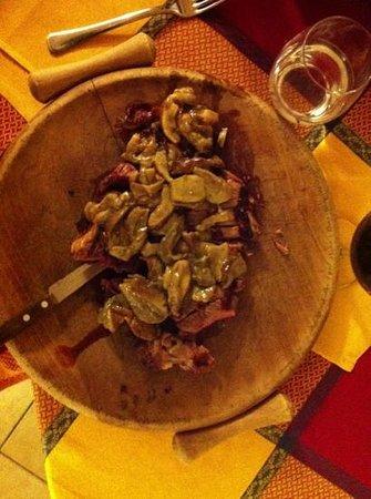 Trattoria Cupi: la tagliata ai funghi porcini.