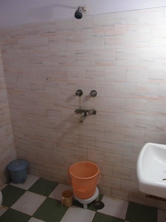 Hotel Sidhartha: bathroom