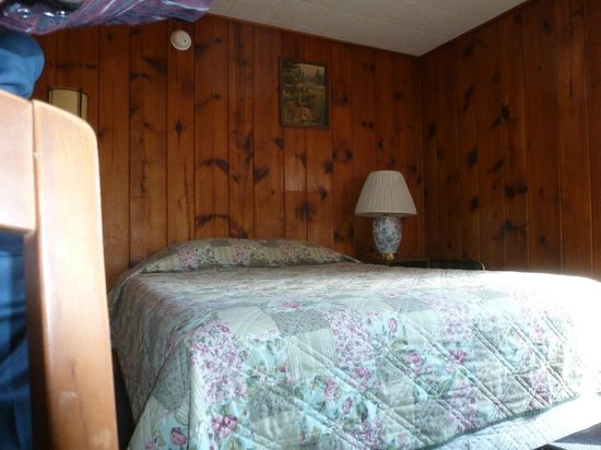 Blue Sky Motel: Typical Queen room