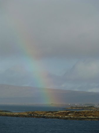 Island View House B&B: St. Patrick's Day rainbow