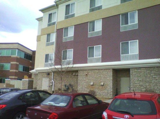 Hilton Garden Inn Fort Collins: Otra foto del frente sur!!