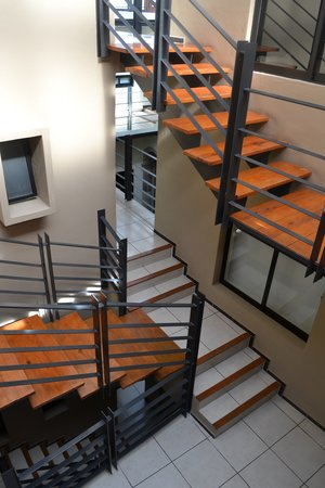 Terrasse Hotel: Escaleras interiores