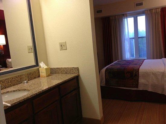 Residence Inn Macon: Vanity