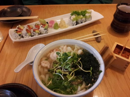 Suzuki's Sushi Bar: Ama-ebi noodle soup and sushi