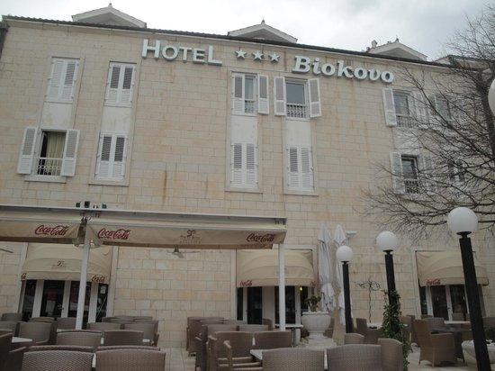 Hotel Biokovo: Esterno dell'hotel