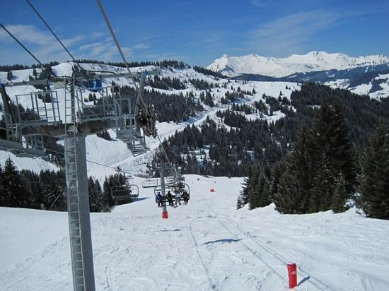 More Mountain - The ARK : Morzine - 1st April 2013