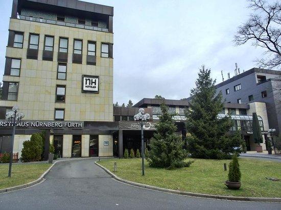 NH Forsthaus Fürth Nürnberg: Hotel von aussen