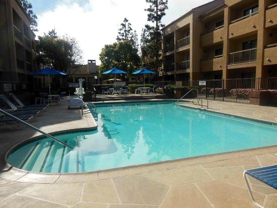 Courtyard Los Angeles LAX/El Segundo : Pool beheizt