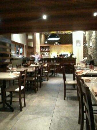 Bistro Alegria: Dining area