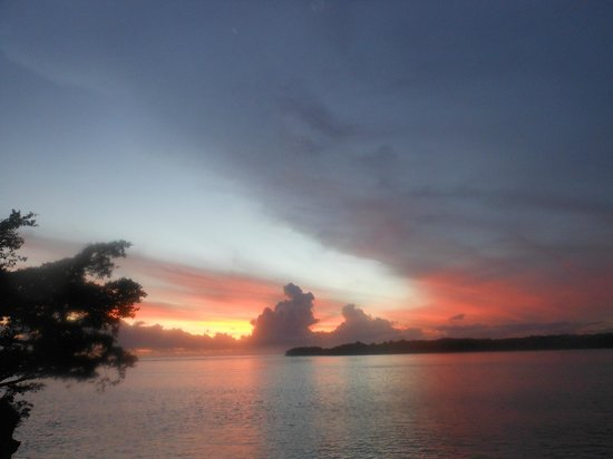 Shangri-La's Fijian Resort & Spa: beautiful sunsets every evening