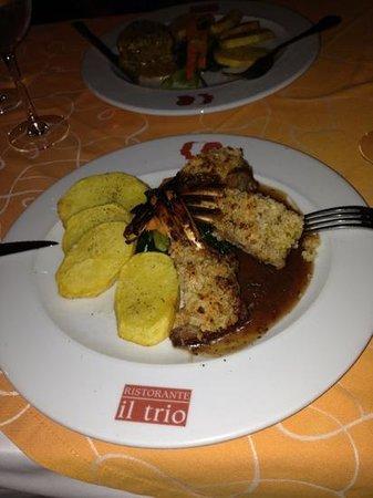 Il Trio : rack of lamb....delicious!