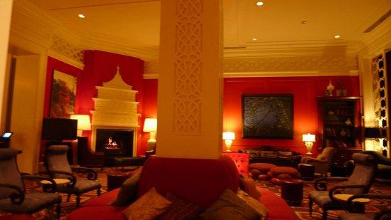 Kimpton Hotel Monaco Portland: Lobby living room