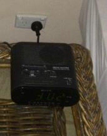 Sonaisali Island Resort Fiji: Radio Alarm Clock