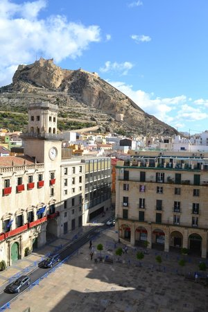 Eurostars Mediterranea Plaza Alicante: place where hotel is located, view from room