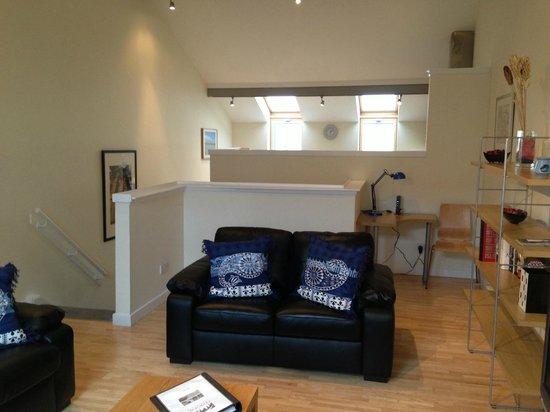 Lomond Mews : living room looking towards kitchen
