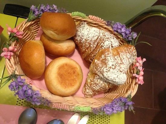 La Cupola del Vaticano: Breakfast buns