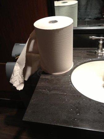 Applebee's: nasty sink...damp paper towels.