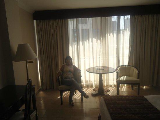 Continental Hotel & Casino : Un hermoso ventanal