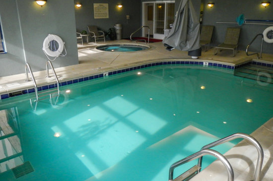 Hampton Inn & Suites Florence-Downtown: Pool & Hot Tub