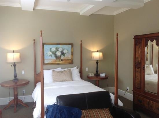 Rosewood Victoria Inn: 2 bdrm Room in Green House