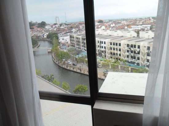 Wana Riverside Hotel: Good View from Our Room on 7th Floor
