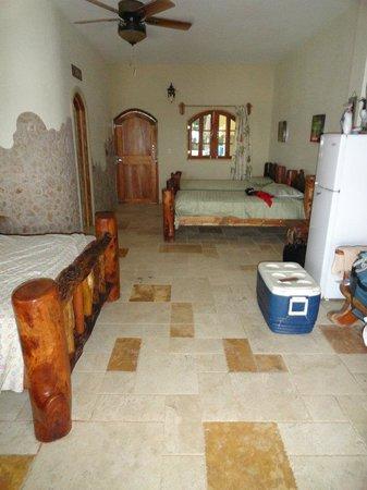 La Playita Resort: chambre