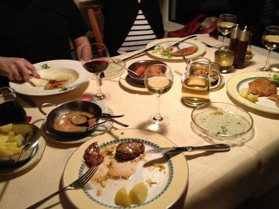 Hotel Wilhelmshöhe: Dinner.
