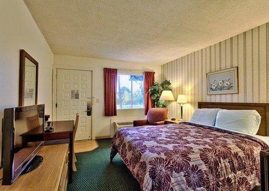 Econo Lodge South Portland: MEAccessible King