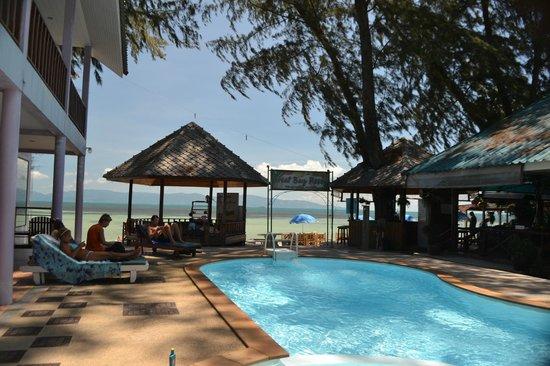 Phangan Great Bay Resort: Pileta chica, pero limpia y bonita