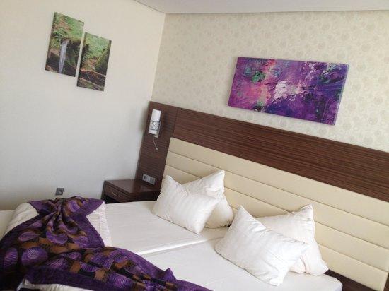 Hotel Global: Bedroom