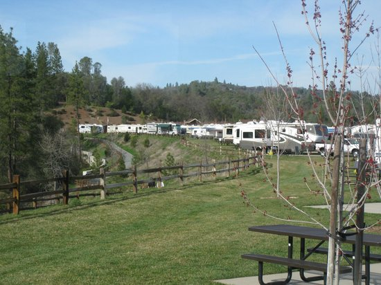 Jackson Rancheria RV Park: View from our RV - Jackson Rancheria