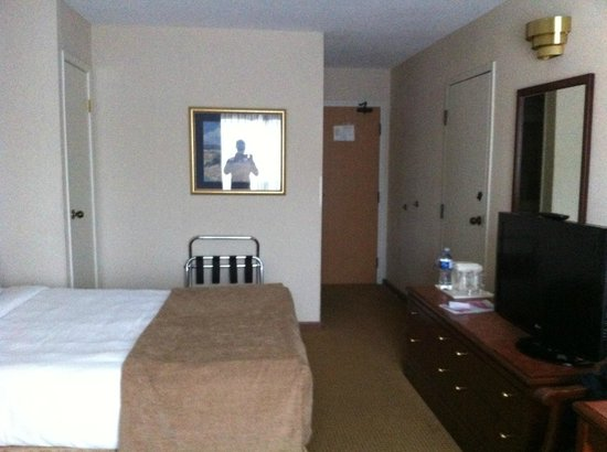 Quality Hotel Harbourview: bedroom