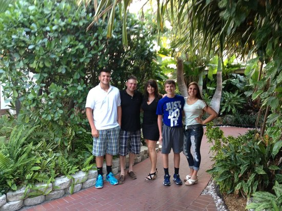 Pier House Resort & Spa: Family Pic at Pier House