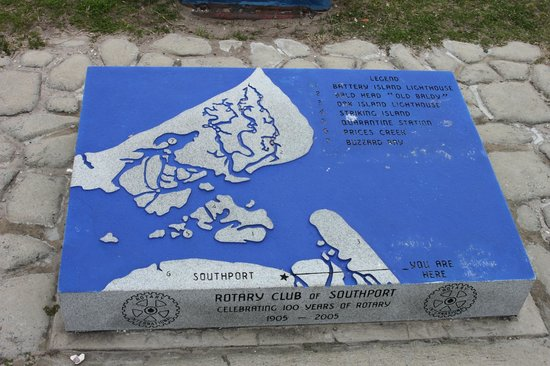 Wingate by Wyndham Southport: Granite map at little park