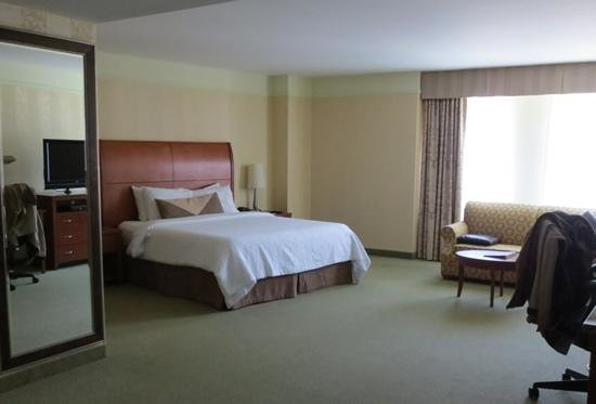 Hilton Garden Inn Montreal Centre-ville: Big, big rooms