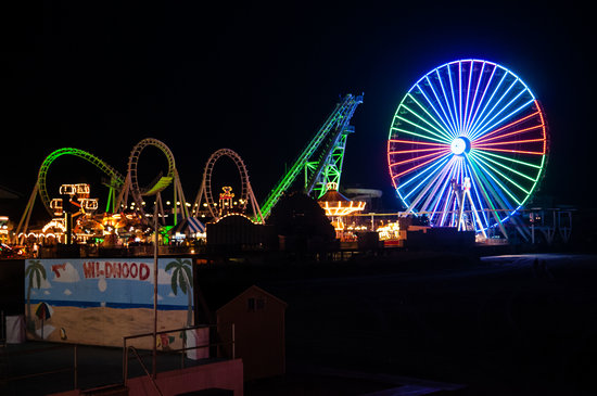 Morey's Piers and Beachfront Water Parks : At Night