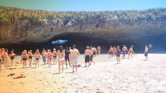Bay of Banderas : Playa Escondida Isla Marietas