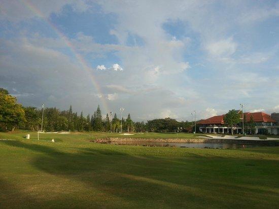 Sutera Harbour Golf & Country Club: golfing under rainbow